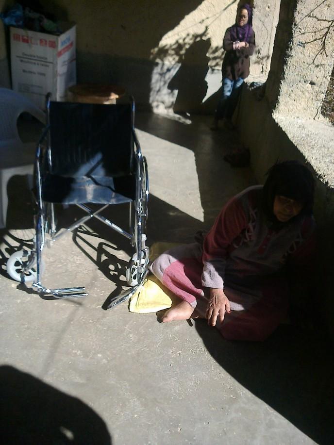 distribution de fauteuils roulants pour adultes assoul coeur maroc. Black Bedroom Furniture Sets. Home Design Ideas